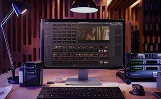 أفضل برامج تحرير وتعديل الفيديو المجانية على الكمبيوتر Best Free Video Editing Software Programs  أفضل برامج الفيديو مجاناً للحواسيب  أفضل برامج مجانية لتحرير الفيديو على الكمبيوتر موفي ميكر Movie Maker 10 . برنامج بلندر Blender  برنامج دافنشي ريزولف DaVinci Resolve  برنامج هيت فيلم أكسبرس HitFilm Express   برنامج شت كت Shotcut .