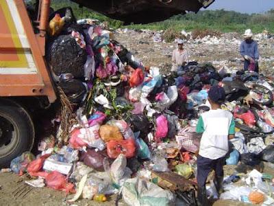 gambar lori sampah kotor malaysia