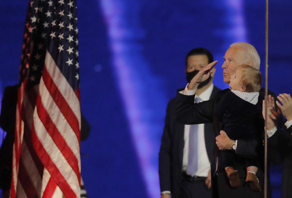 Cơ quan thẩm quyền chưa xác nhận ông Biden là 'người chiến thắng rõ ràng'