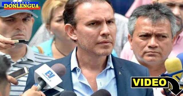 Diputado Carlos Lozano reportó entre llantos la muerte de su padre