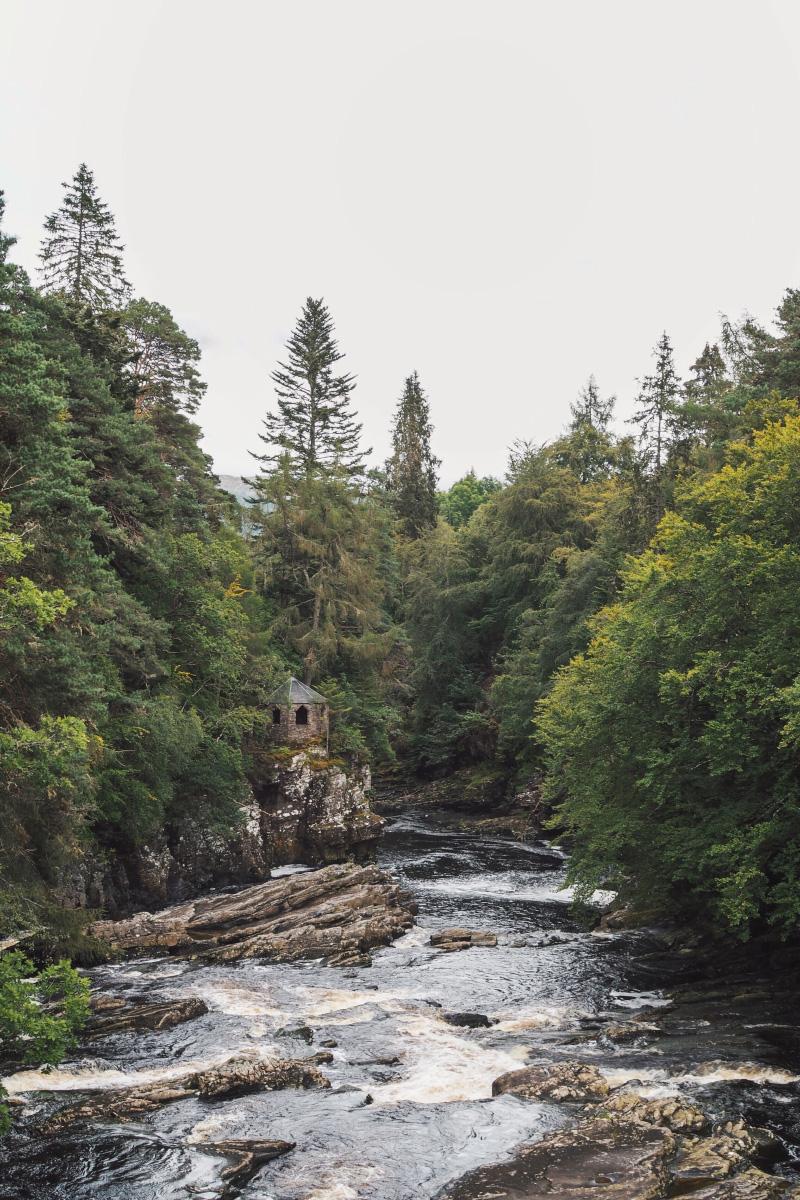 The falls of Invermoriston en Ecosse