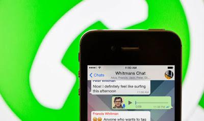 Tips Mendengarkan Voice Message WhatsApp Tak Bisa Didengar Orang Lain Tanpa Earphone