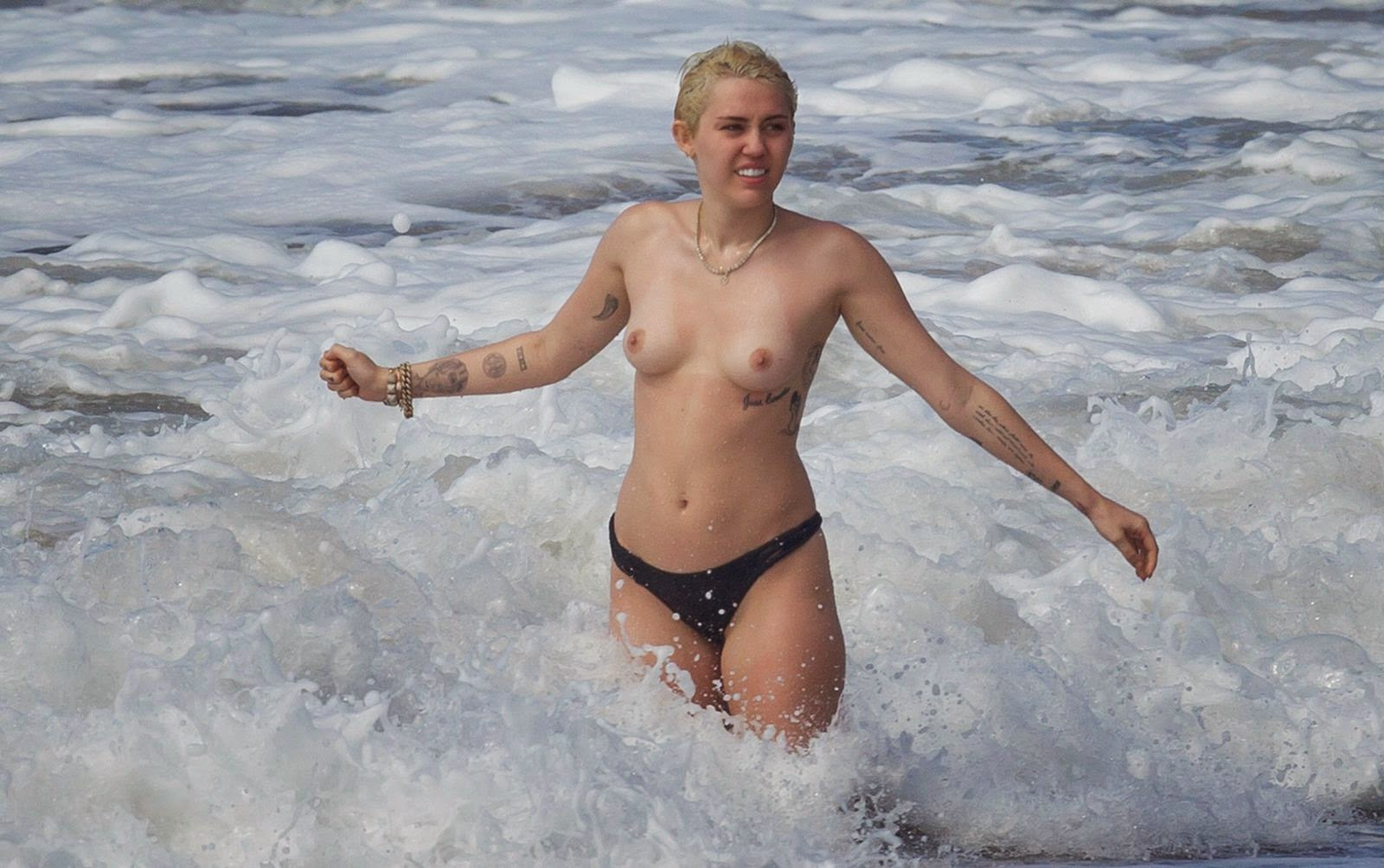 Remarkable miley cyrus bikini candids