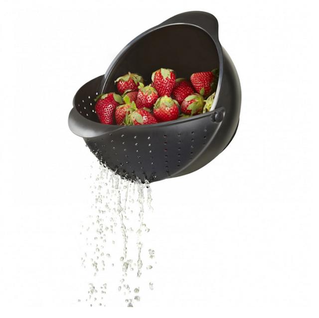 مصفاة تساعدك على غسل الفاكهة