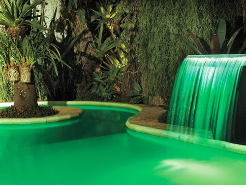 Piscinas inspiradoras cascatas decks bordas infinitas - Fotos de piscinas ...
