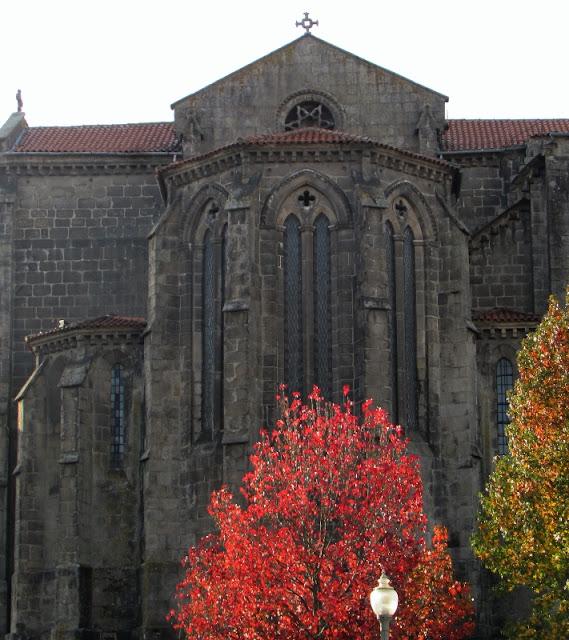 Igreja de São Francisco no Porto e Outono