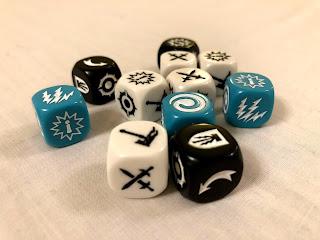The custom dice from Warhammer Underworlds: Nightvault