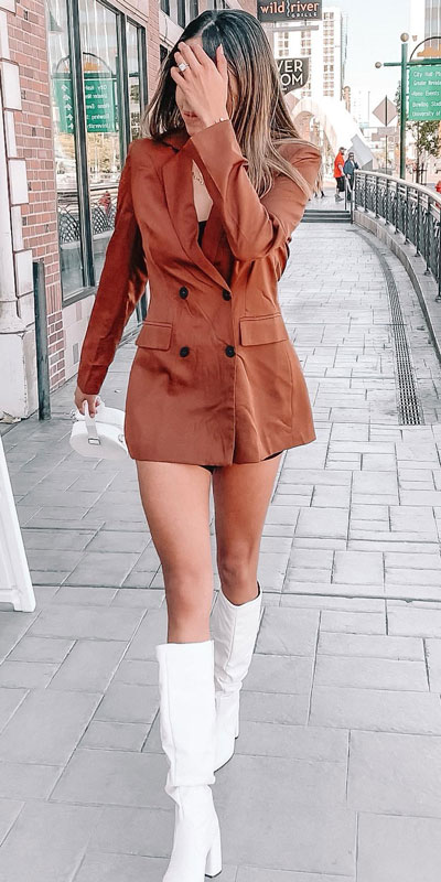 Blazers one of those important wardrobe staples that everyone should have. See these 22 Catchy Blazer Outfits to Stand Out from The Crowd. Coat + Jacket Outfits via higiggle.com | Brown blazer dress | #blazer #jacket #coat #casualoutfits