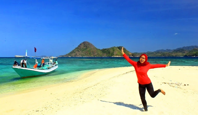 Pantai Noko Pulau Bawean Selayar Gresik