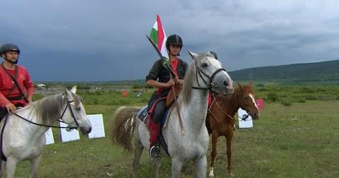 Taroltak a magyar lovasíjászok