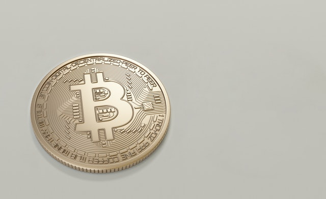 BITCOIN EXPLAINED IN DETAILS   What is Bitcoin, Blockchain, Altcoin, how to buy Bitcoin   IS BITCOIN LEGAL?