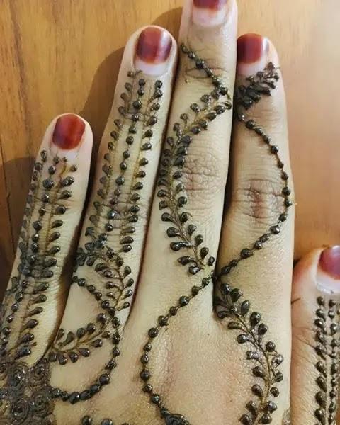 mehndi-design-for-girl-fingers-for-wedding