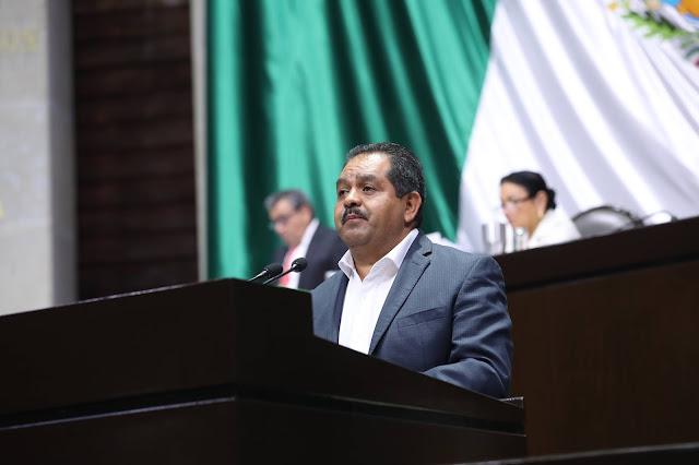 José Guadalupe Aguilera Rojas solicita a la Federación rescatar el Lago de Pátzcuaro
