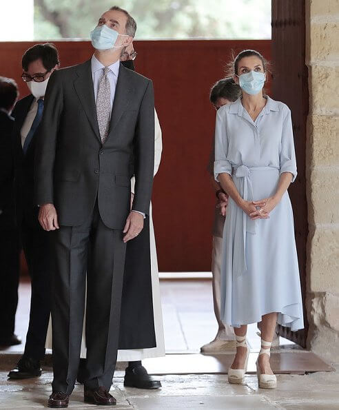 Queen Letizia wore a light blue midi shirt dress from Pedro del Hierro 2019 collection. Queen Letizia wore a new Macarena shoes. Barcelona