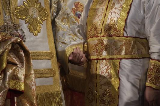 Δίποδο ζώο Αρχιμανδρίτης φέρεται να προσπάθησε να βιάσει πεντάχρονο παιδάκι σε ιερή μονή....
