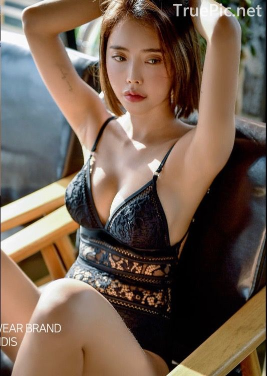 Korean hot model and fashion - Song Yi - Black and White Swimsuit for Summer Vacation - Picture 6