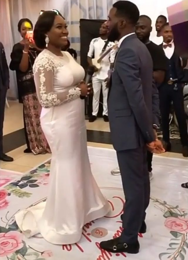 """I Am Your Palliative, Loot Me"" – Bride Tells Groom During Wedding (Video) #Arewapublisize"