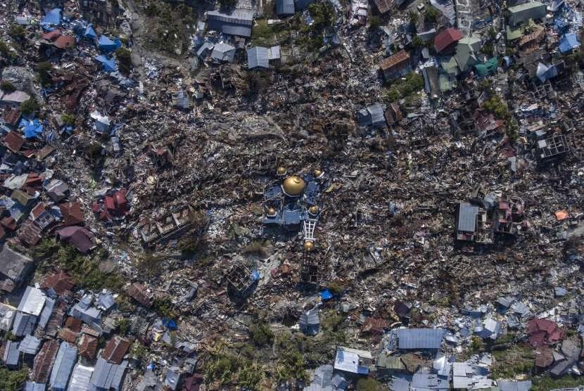 foto-udara-rumah-warga-yang-hancur-akibat-gempa-di-palu-indonesia-berita-terkini-hari-ini