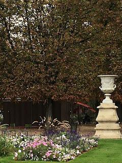 Gorgeous sculpture in Tuileries of Paris