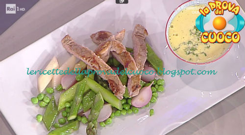 Tagliata di vitello con verdure e salsa al crescione ricetta Holzer da Prova del Cuoco