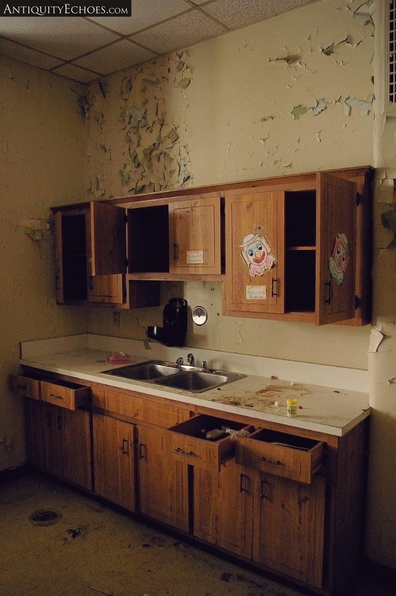Overbrook Asylum - Literally the Worst Decor Choice