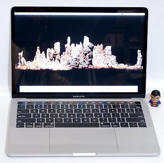 MacBook Pro Touch Bar 2018 13-inch Core i5 Bekas