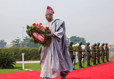 Amosun Honours Fallen Heroes, Commends Military