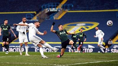 The Peacocks Bantai The Lily White dalam Leeds United Vs Tottenham