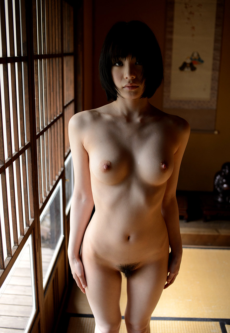 airi suzumura sexy naked photos 03