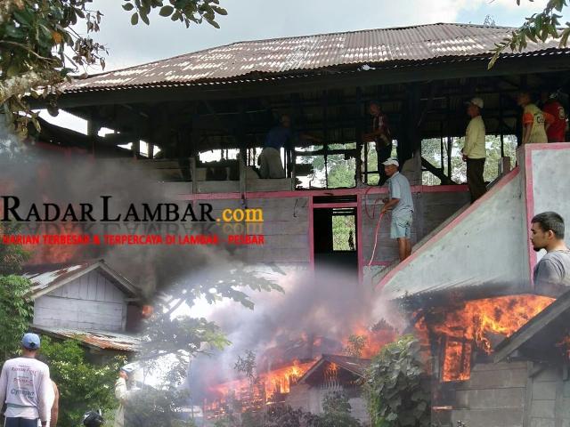 Diduga Arus Pendek Listrik, Rumah Sapar Terbakar