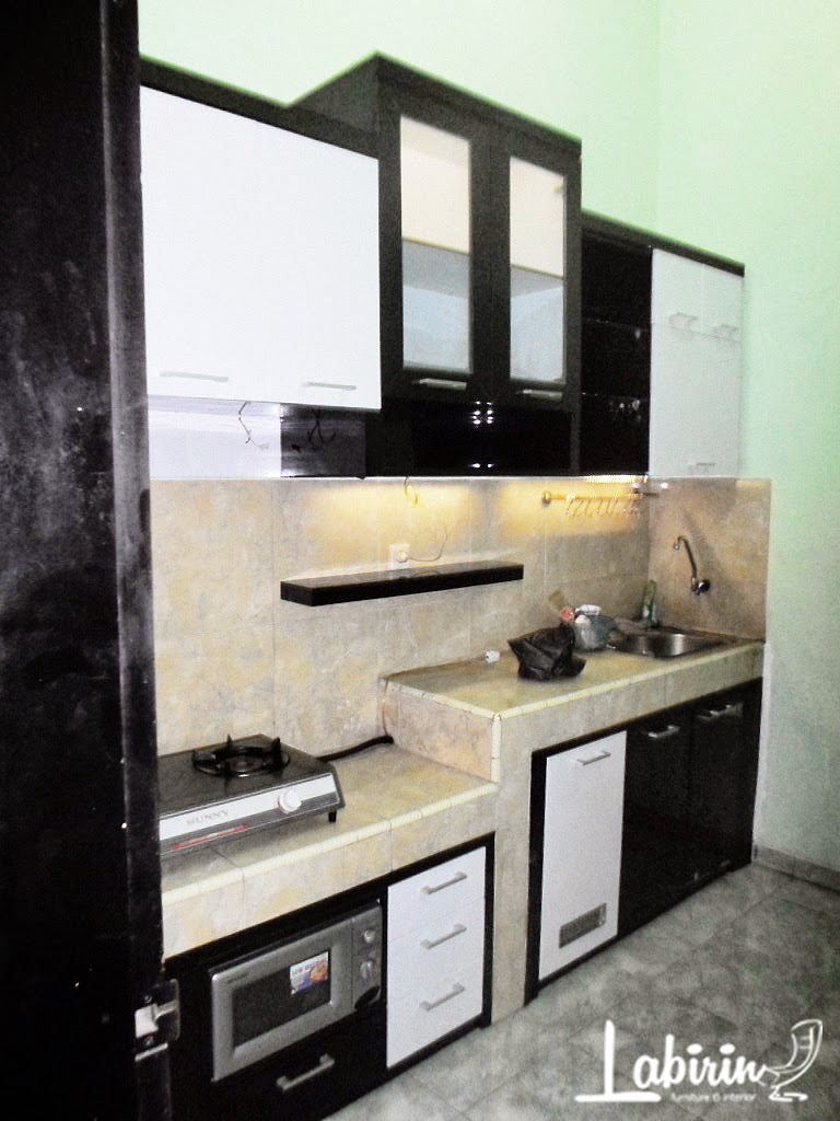 Kitchen set ponorogo kitchen set minimalis dan efisien for Kitchen set yang baik