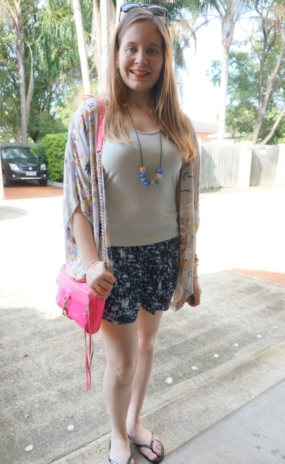 floral kimono and printed relaxed shorts with metallic tank pink mini MAC | awayfromtheblue
