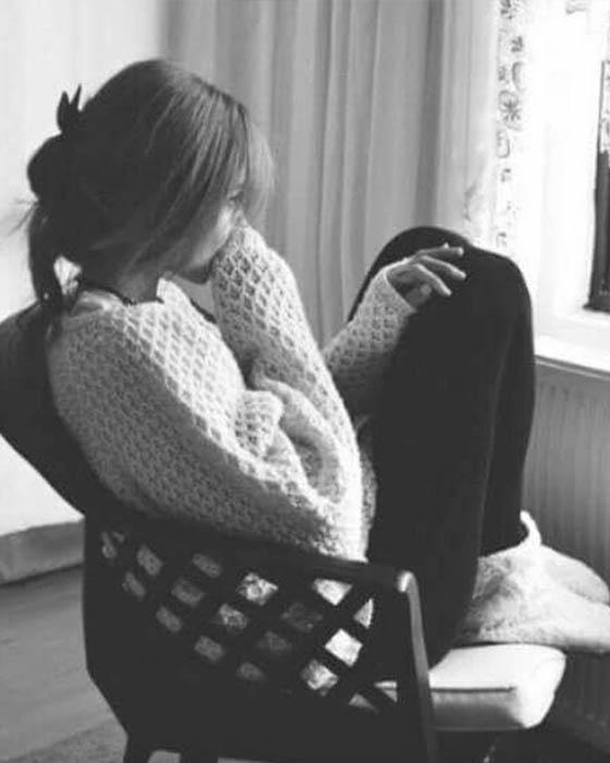 Poses tristes para fotos melancólicas que te ayudarán a desahogarte