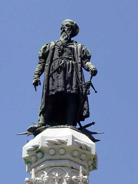 Statue of Afonso de Albuquerque, symbolically standing on a stack of weapons, referencing his reply in Hormuz