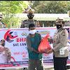 Satlantas Polres Takalar Bagi Bansos Jelang Hari Lalulintas Bhayangkara ke-66