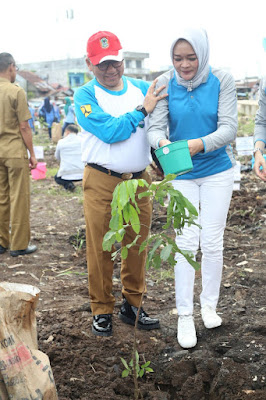 Kementerian PUPR Tanam Ribuan Bibit Pohon