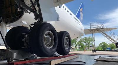 air_astana_767_cargo.jpg