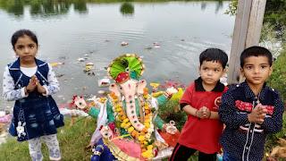 गणपति बप्पा मौर्या अगले बरस तू जल्दी आ.. के जयघोष के साथ भगवान गणेश को किया विदा