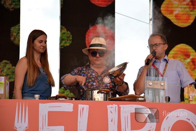 Europa na widelcu we Wrocławiu. Festiwal kilinarny na wrocławkim rynku. Robert Makłowicz gotuje na rynku we Wrocławiu