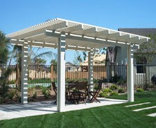 Small-Outdoor-Living-Spaces-Ideas-Pergola