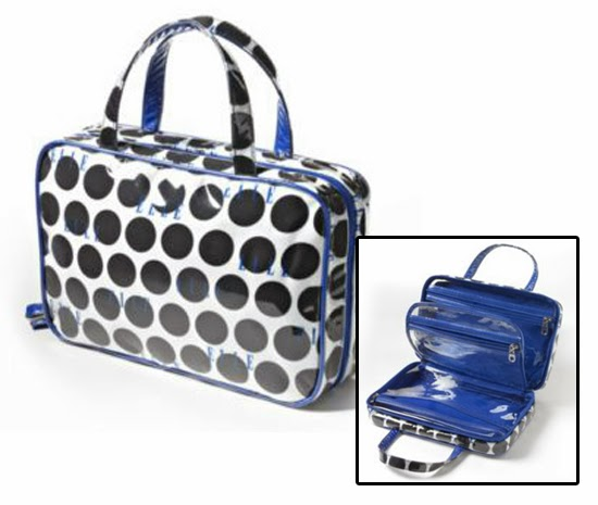 This Cute Little Bag Has A Few Features That Make It Winner There Are Total Of Four Separate Zippered Pockets Two Large Ones On The Outer Edges