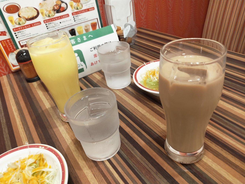ドリンク。チャイとオレンジジュース@インドダイニング&バー ナン