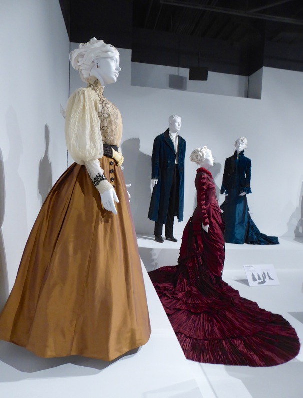 Crimson Peak film costumes