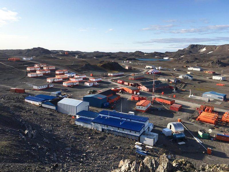 Base antártica se quedó sin nieve