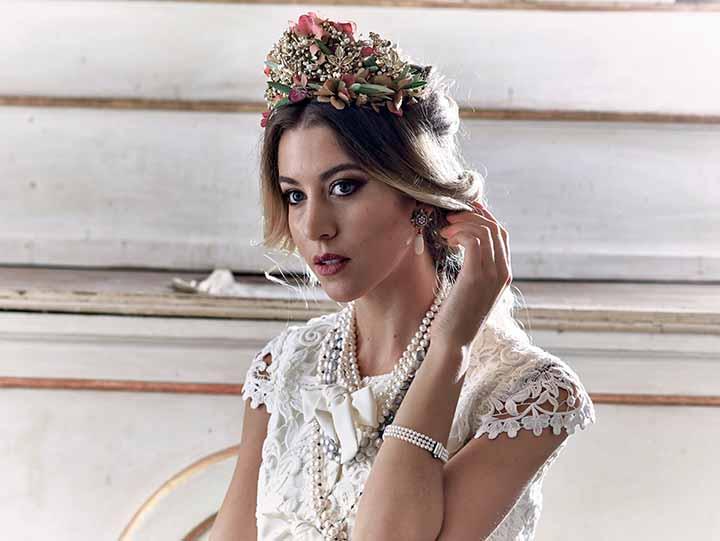 peinados para novia corona 2020