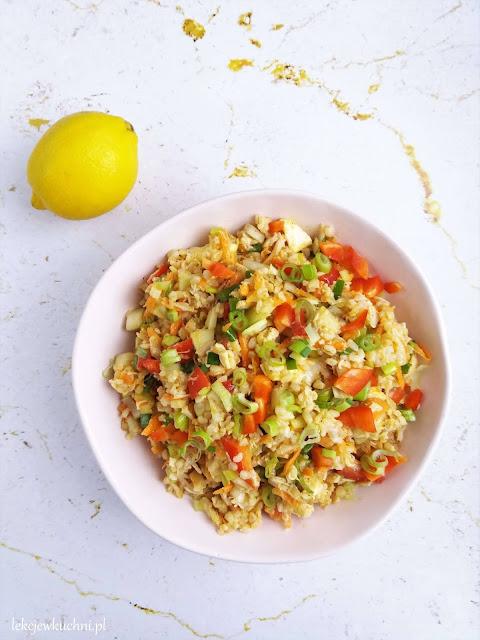 Sałatka z kurczakiem i kaszą bulgur fit przepis