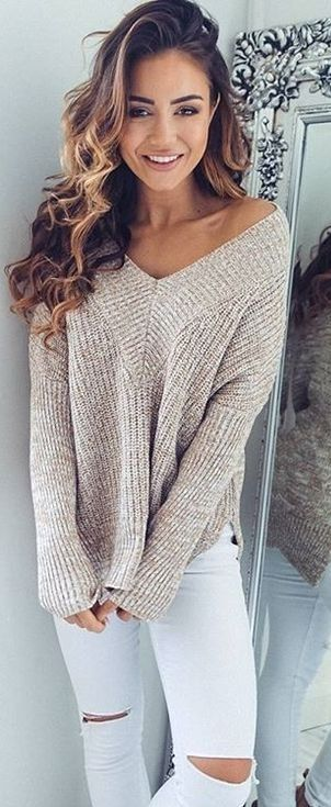 white and nude_sweater + skinny rips