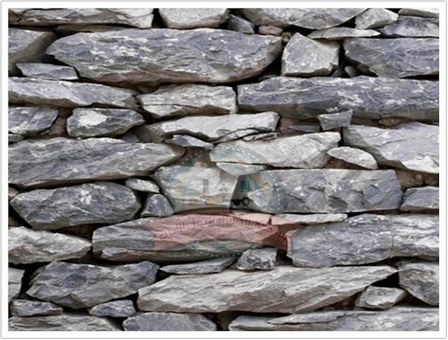 رف الموقد الحجري تبدو أنيقة
