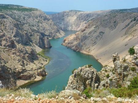 Winnetou 1. könyv, A Rio Pecos folyó