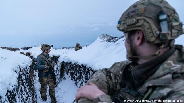 Οσμή τρίτου παγκόσμιου πολέμου: Επιστράτευση στην Ουκρανία, ρωσικά στρατεύματα στα σύνορα